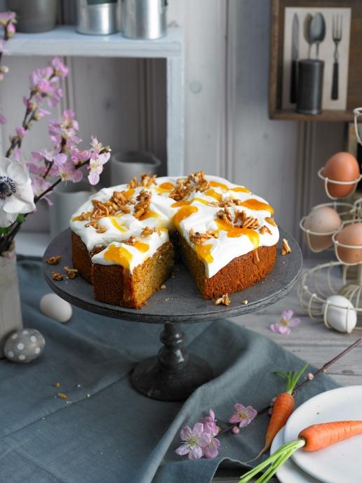 Karotte-Haselnuss-Kuchen