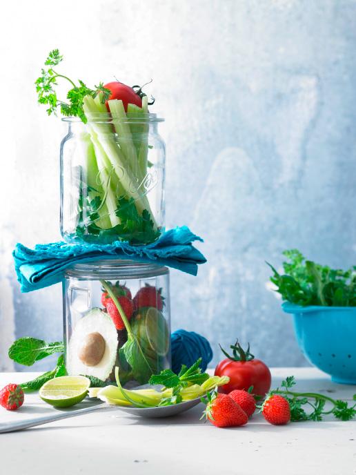 Aufmacher Tomaten, PKoriander, Erdbeeren, Rucola, Petersillie, Staudensellerie, Avocado, Limette
